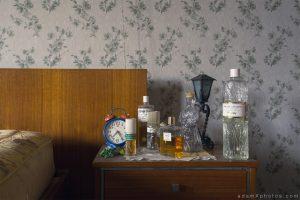Maison l'oiseau bleu - bedroom detail and perfumes