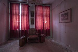 Villa Vital Adam X Urbex - red room