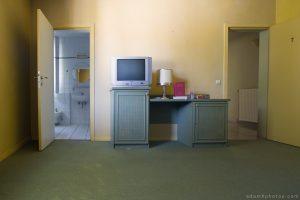 """""""Hotel Allegria"""" """"Adam X"""" Urbex Urban Exploration Belgium bedroom bathroom"""
