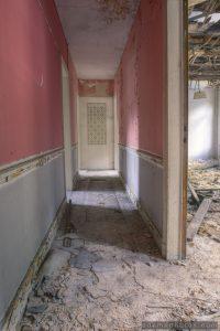 Adam X Urbex Urban Exploration Grand Hotel Regnier corridor decay Belgium