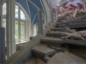 Adam X Urbex Urban Exploration Chateau Noisy Miranda stairs staircase arches arch decay belgium