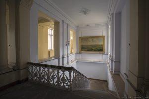 Adam X Alla Italia Belgium Urbex Urban Exploration painting stairs staircase