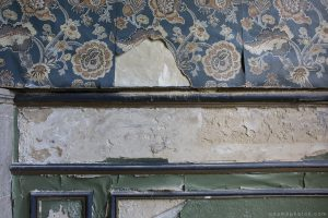 Adam X Chateau de la Chapelle urbex urban exploration belgium abandoned wallpaper decay detail