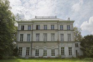 Adam X Chateau de la Chapelle urbex urban exploration belgium abandoned exterior outside external building garden