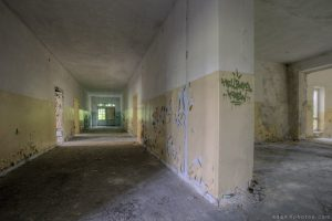 Adam X Urbex Urban Exploration Abandoned Germany Wunsdorf barracks soviet corridor decay peeling paint
