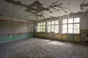 Adam X Urbex Urban Exploration Abandoned Germany Wunsdorf barracks soviet decay peely paint
