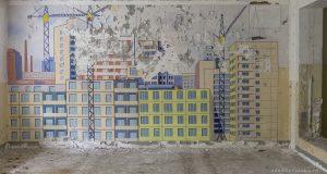 Adam X Urbex Urban Exploration Abandoned Germany Wunsdorf barracks soviet mural detail wall painting