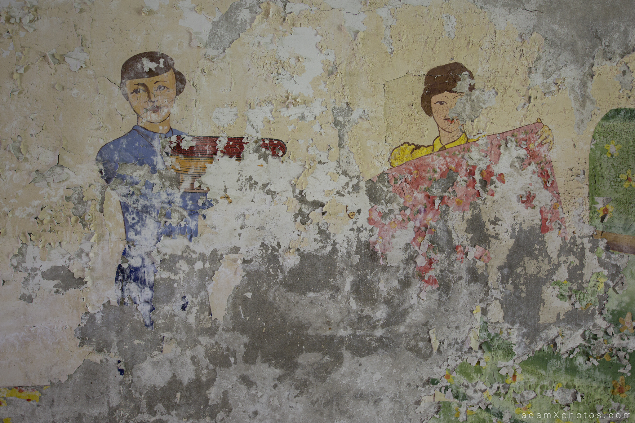 Adam X Urbex Urban Exploration Abandoned Germany Wunsdorf barracks mural wall soviet detail painting