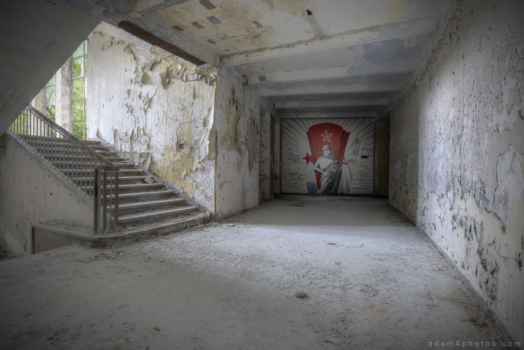 Adam X Urbex Altes Lager Juterbog Germany Urban Exploration Air base flight school CCCP Soviet Russian military Decay Lost Abandoned Derelict Hidden mural soldier wall painting picture photography corridor