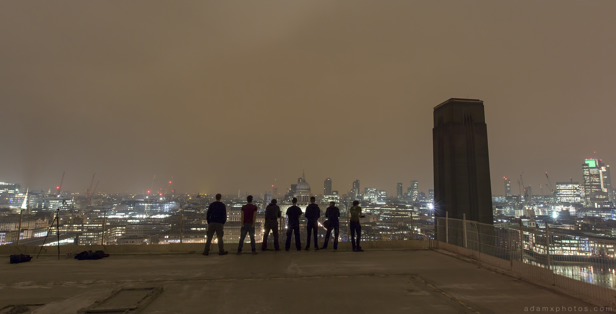 Adam X Urbex UE Urban Exploration London Rooftops High Night Photo Photography Skyline THM crane south bank thames shard walkie talkie st pails cathedral group shot team explorers