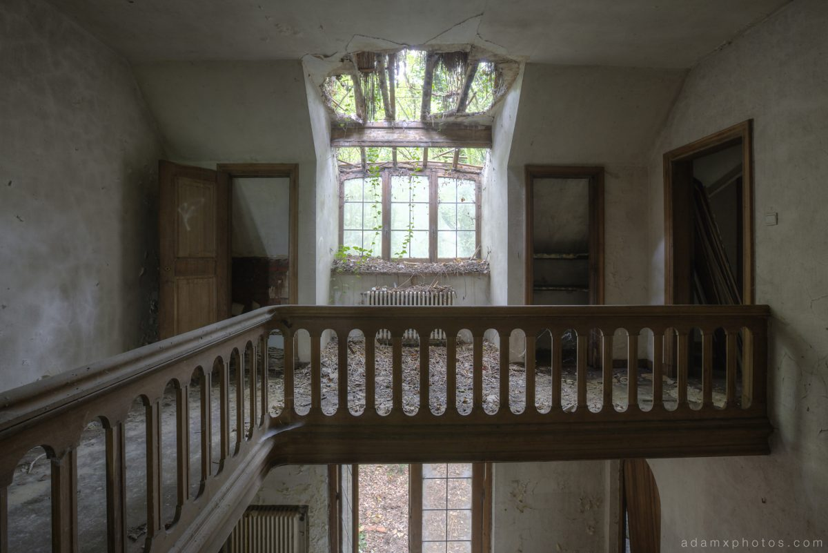 Upstairs landing bannisters roof windows hole Adam X Urbex UE Urban Exploration Belgium Villa Maison SS House Townhouse abandoned derelict unused empty disused decay decayed decaying grimy grime collapsing overgrown
