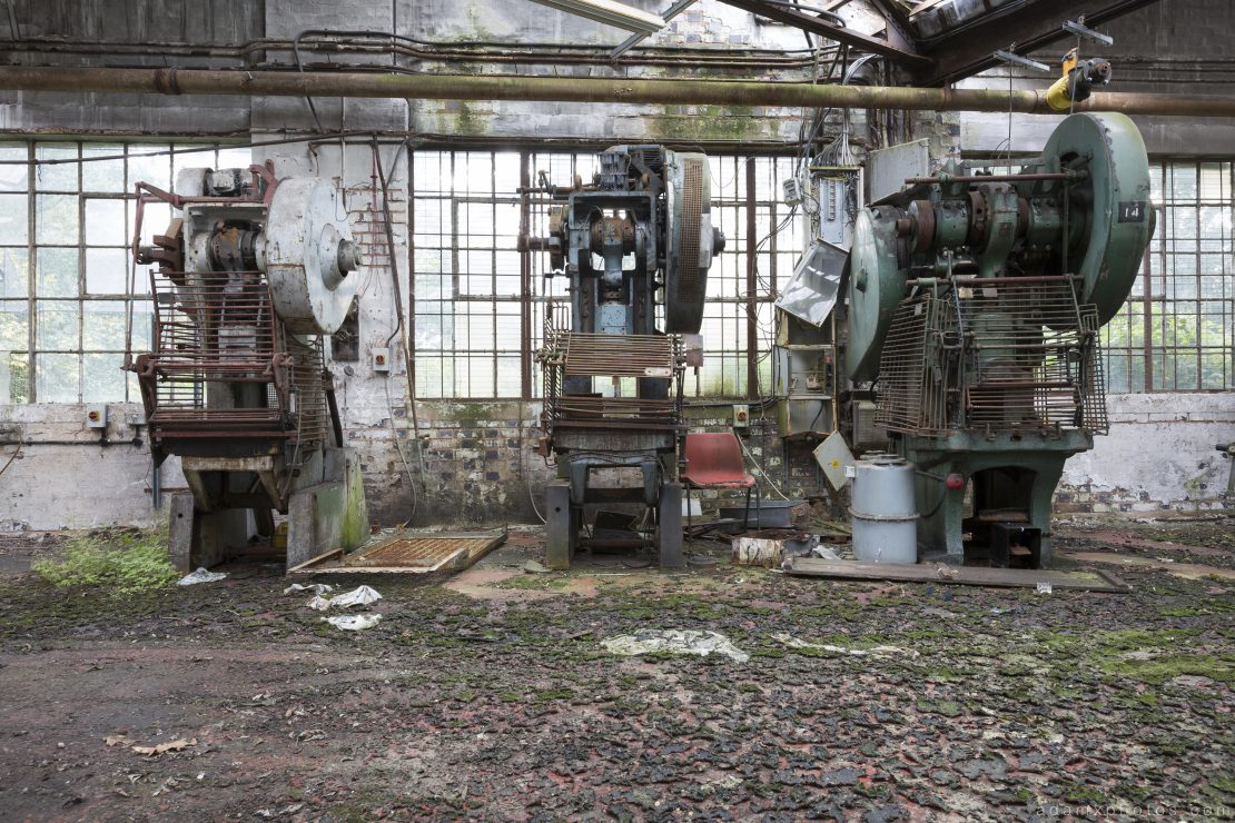 machines obsolete West Bromwich Spring Company Helical Works Springs industry industrial Urbex Adam X Urban Exploration 2015 Abandoned decay lost forgotten derelict