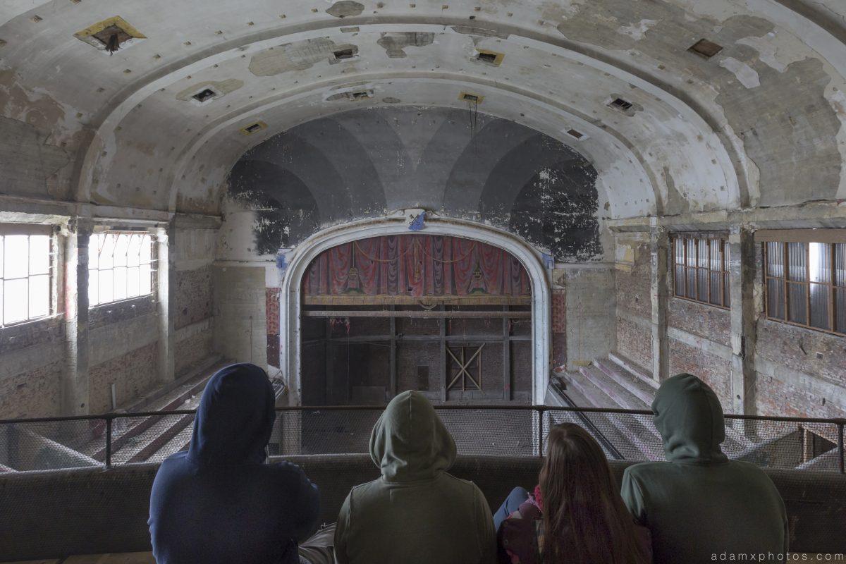 Team Shot Group Shot selfie explorers Cinema Cine Theatre Varia Belgium Belgie Urbex Adam X Urban Exploration 2015 Abandoned decay lost forgotten derelict