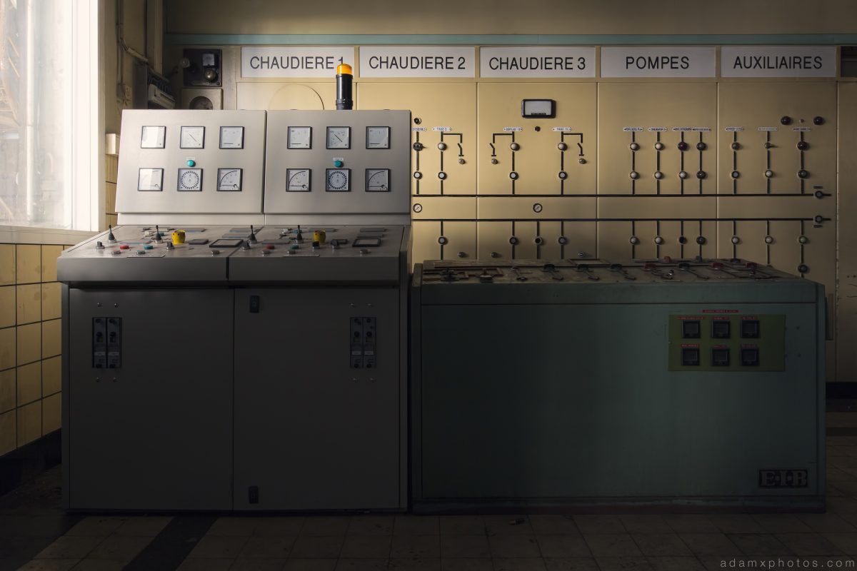 Control Room Chaudiere Pompes Auxiliares The Blue Power Plant Station Belgium Belgie Industrial Industry infiltration Urbex Adam X Urban Exploration 2015 Abandoned decay lost forgotten derelict