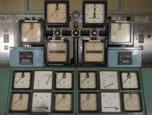 Dials Gauges control syncroscope volts The Blue Power Plant Station Belgium Belgie Industrial Industry infiltration Urbex Adam X Urban Exploration 2015 Abandoned decay lost forgotten derelict