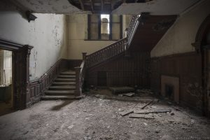 Wooden Staircase Carved ornate Leybourne Grange Manor House Medway Manor Kent Urbex Adam X Urban Exploration 2015 Abandoned decay lost forgotten derelict