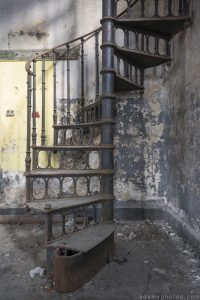 Staircase stairs metal wrought iron Usine S Belgium Textile Wool Factory Urbex Adam X Urban Exploration Access 2016 Abandoned decay lost forgotten derelict
