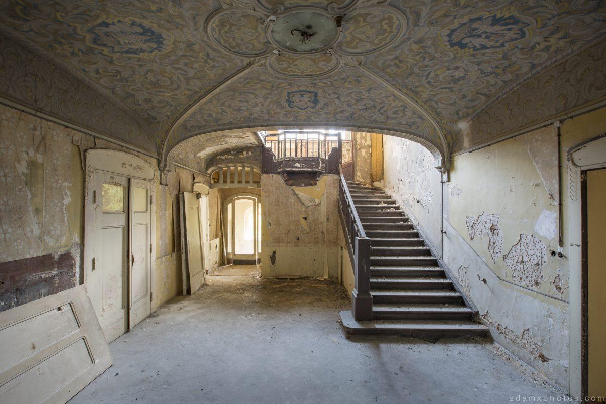 Ornate painted ceiling staircase Villa schöne Decke Villa HMG Urbex Germany Adam X Urban Exploration Access 2016 Abandoned decay lost forgotten derelict location Deutschland