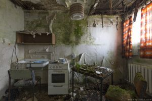 Kitchen Grand Hotel Atlantis Urbex Germany Adam X Urban Exploration Access 2016 Abandoned decay lost forgotten derelict location Deutschland