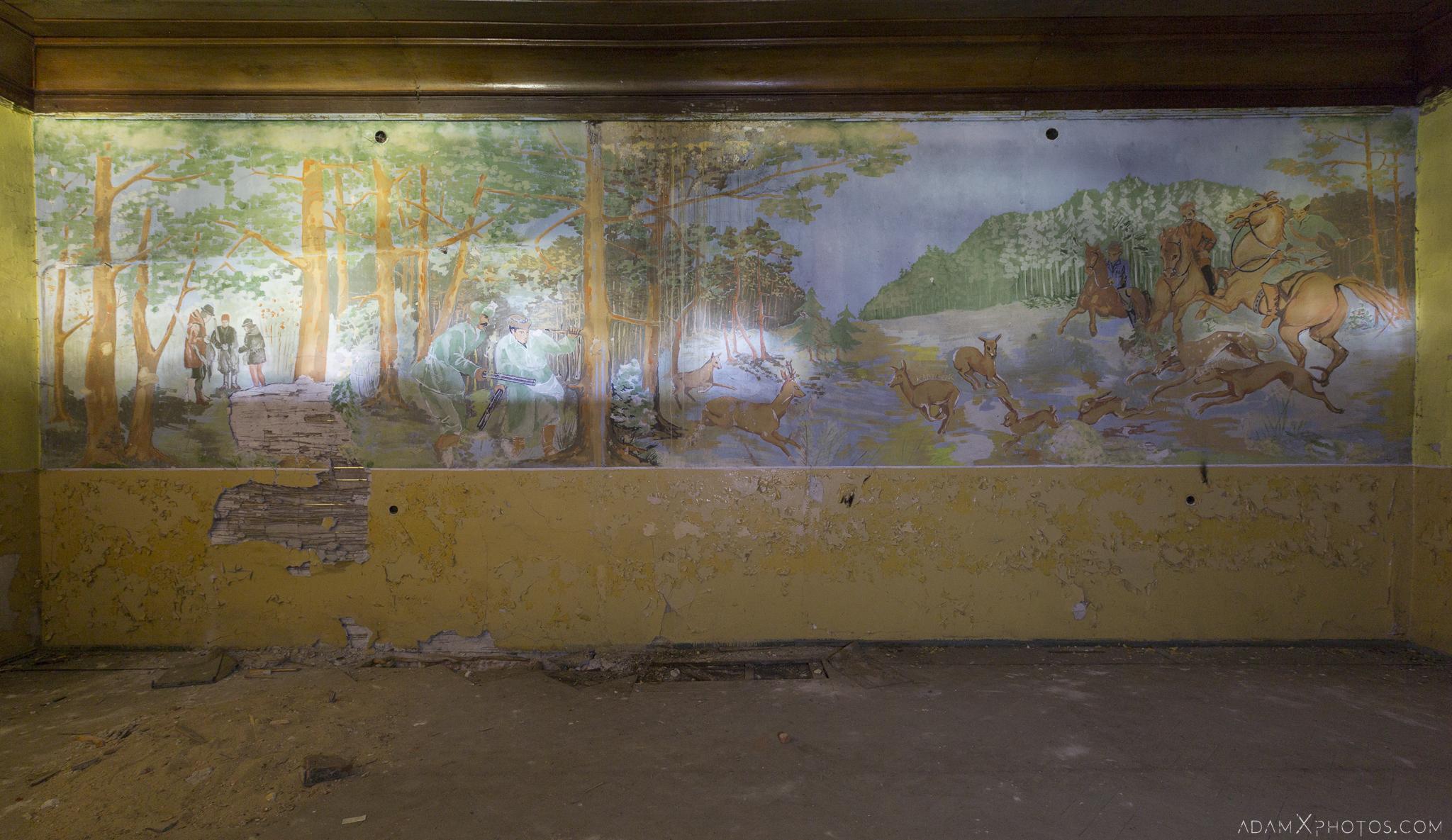 Mural hunting scene woodland Hunter's castle Moja Wola Pałac Myśliwski w Mojej Woli Urbex Poland Adam X Urban Exploration Access 2016 Abandoned decay lost forgotten derelict location haunting eerie