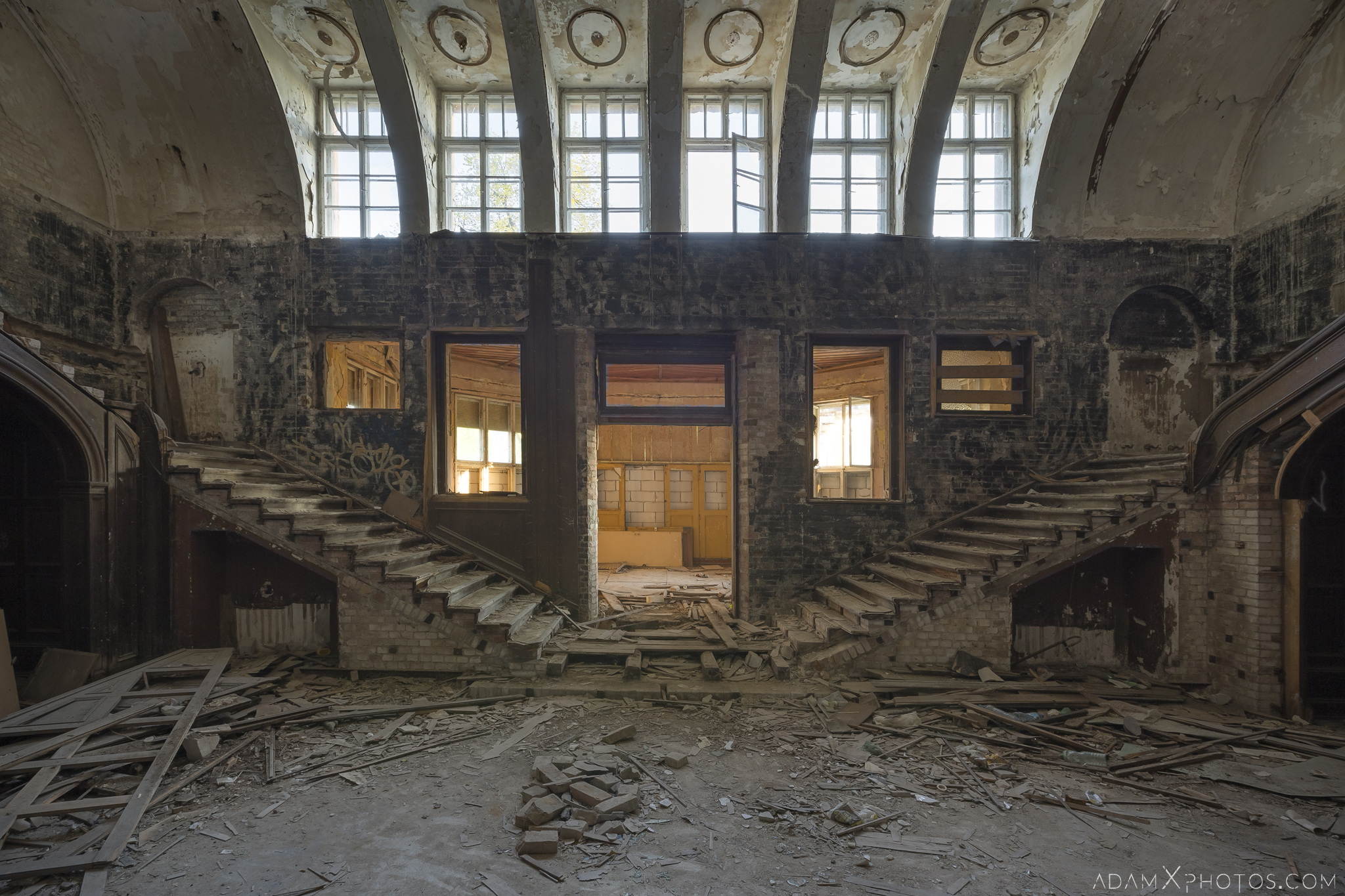 Twin Split Stairs Staircase windows ruins Great Belcz Palace Pałac w Bełczu Wielkim Urbex Poland Adam X Urban Exploration Access 2016 Abandoned decay lost forgotten derelict location haunting eerie
