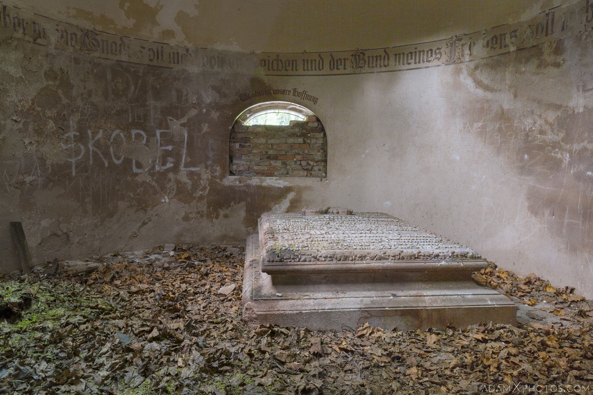 Crypt stone engraving german Chapel Church G Urbex Poland Adam X Urban Exploration Access 2016 Abandoned decay lost forgotten derelict location haunting eerie