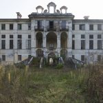 Exterior Outside external sunburst garden Palazzo L Villa Rosa Urbex Adam X Urban Exploration Italy Italia Access 2016 Abandoned Grand Ornate Neoclassical decay lost forgotten infiltration derelict location creepy haunting eerie