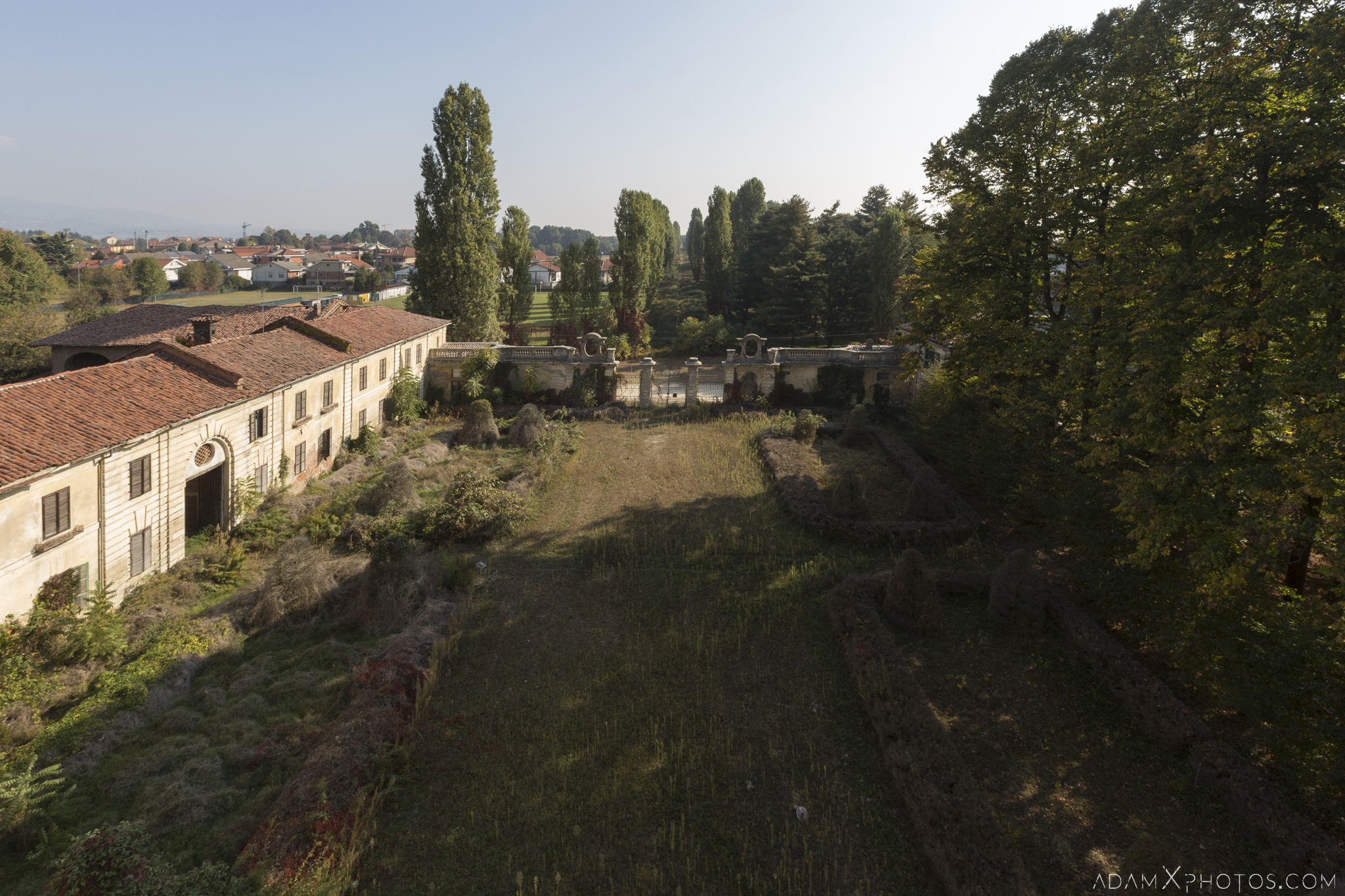 Front garden view from balcony grounds Palazzo L Villa Rosa Urbex Adam X Urban Exploration Italy Italia Access 2016 Abandoned Grand Ornate Neoclassical decay lost forgotten infiltration derelict location creepy haunting eerie