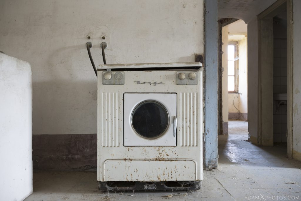 Washing machine Palazzo L Villa Rosa Urbex Adam X Urban Exploration Italy Italia Access 2016 Abandoned Grand Ornate Neoclassical decay lost forgotten infiltration derelict location creepy haunting eerie