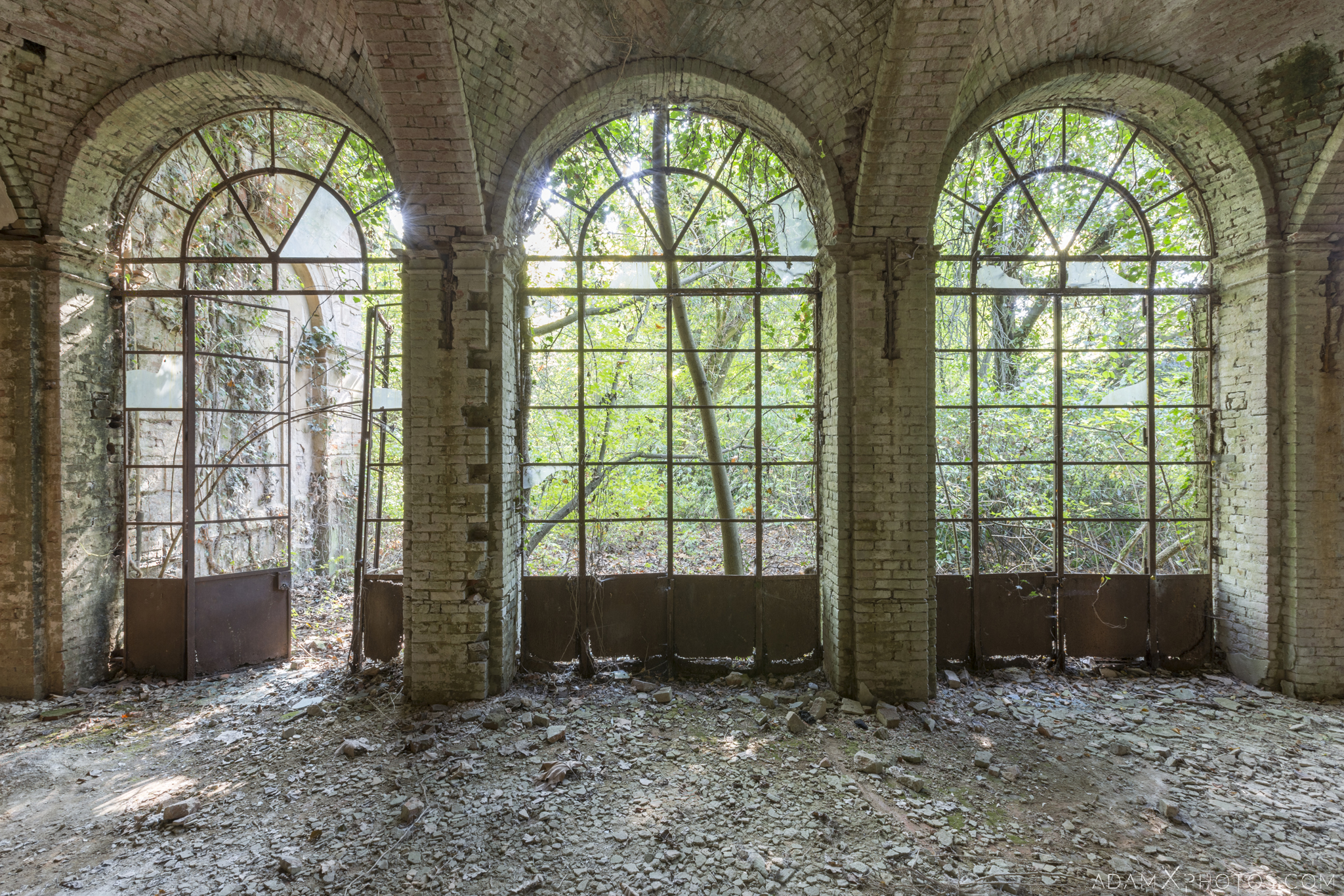 Greenhouse garden windows Palazzo di L dei Conte M Castello di Lauriano Urbex Adam X Urban Exploration Italy Italia Access 2016 Abandoned Grand Ornate Neoclassical decay lost forgotten infiltration derelict location creepy haunting eerie