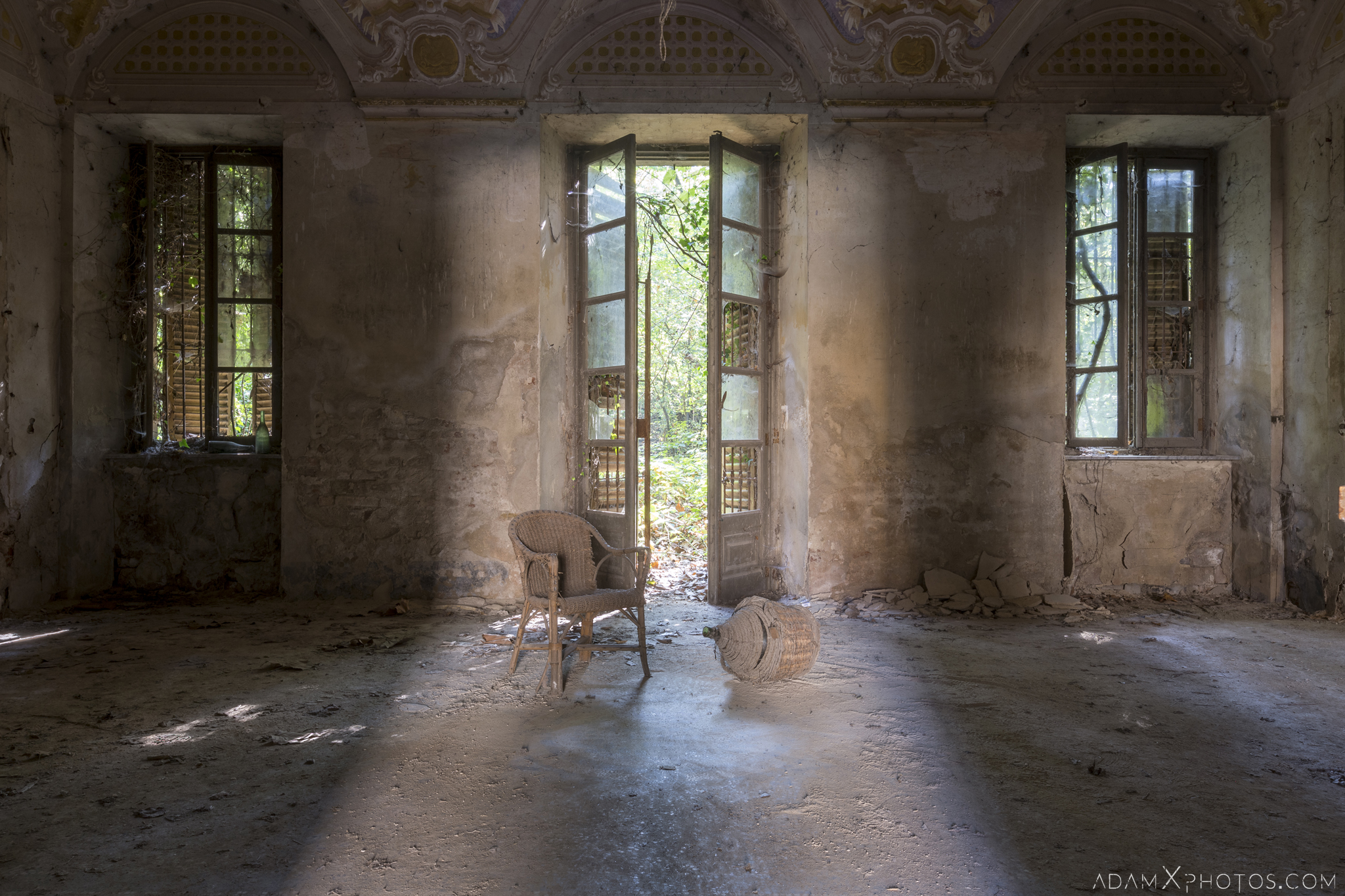 Palazzo di L dei Conte M Castello di Lauriano Urbex Adam X Urban Exploration Italy Italia Access 2016 Abandoned Grand Ornate Neoclassical decay lost forgotten infiltration derelict location creepy haunting eerie