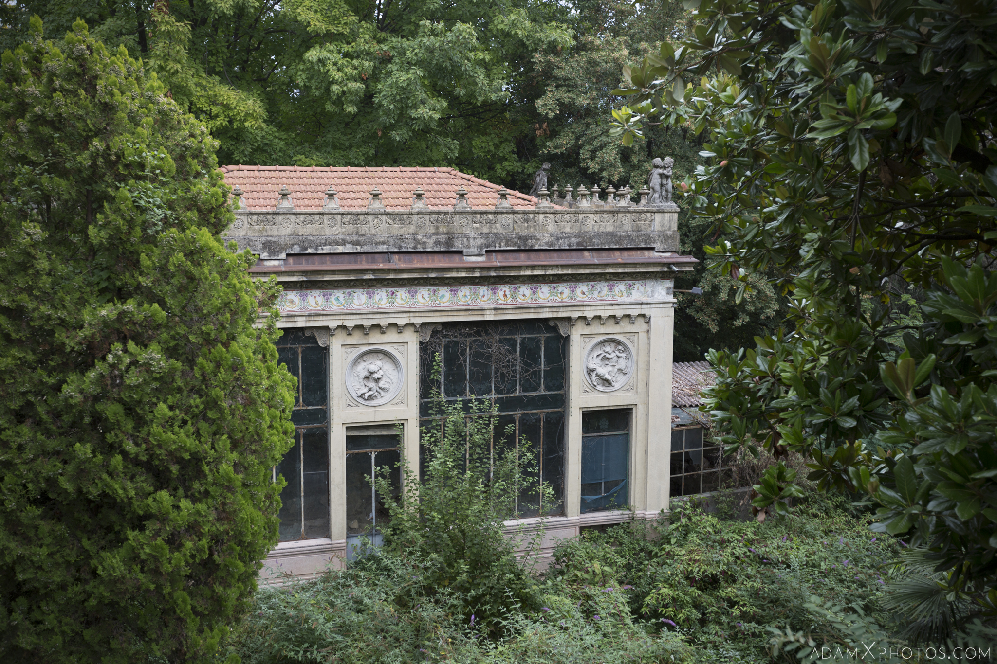 Greenhouse Orangery Outside External Villa Pesenti P Urbex Adam X Urban Exploration Italy Italia Access 2016 Abandoned decay lost forgotten derelict location creepy haunting eerie
