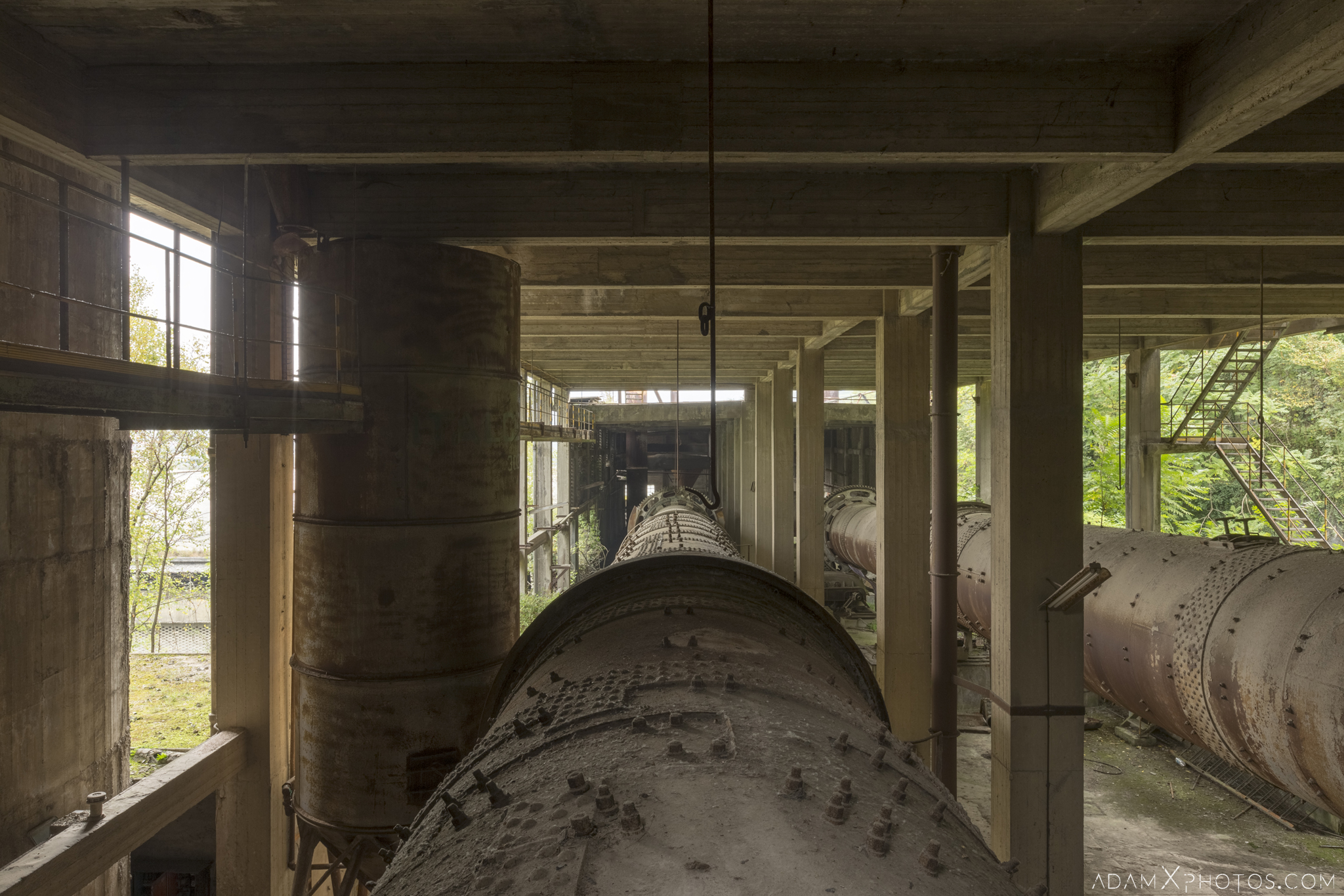 mixing cylinders pipes huge Circle Industry Cement factory industrial industy Adam X Urban Exploration Italy Italia Access 2016 Abandoned decay lost forgotten derelict location creepy haunting eerie