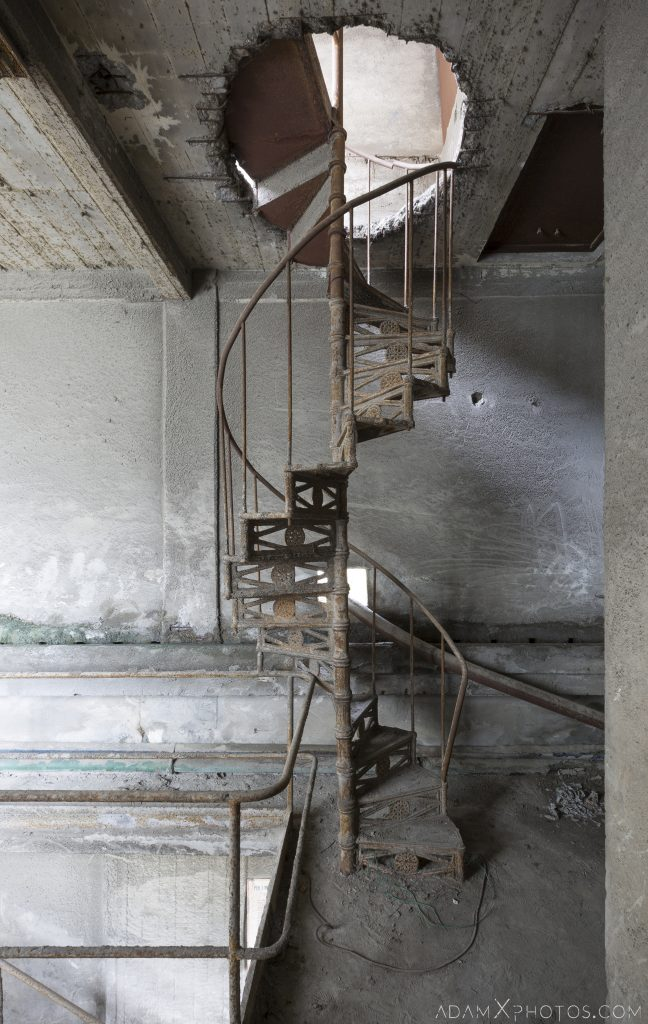Spiral stairs staircase Circle Industry Cement factory industrial industy Adam X Urban Exploration Italy Italia Access 2016 Abandoned decay lost forgotten derelict location creepy haunting eerie