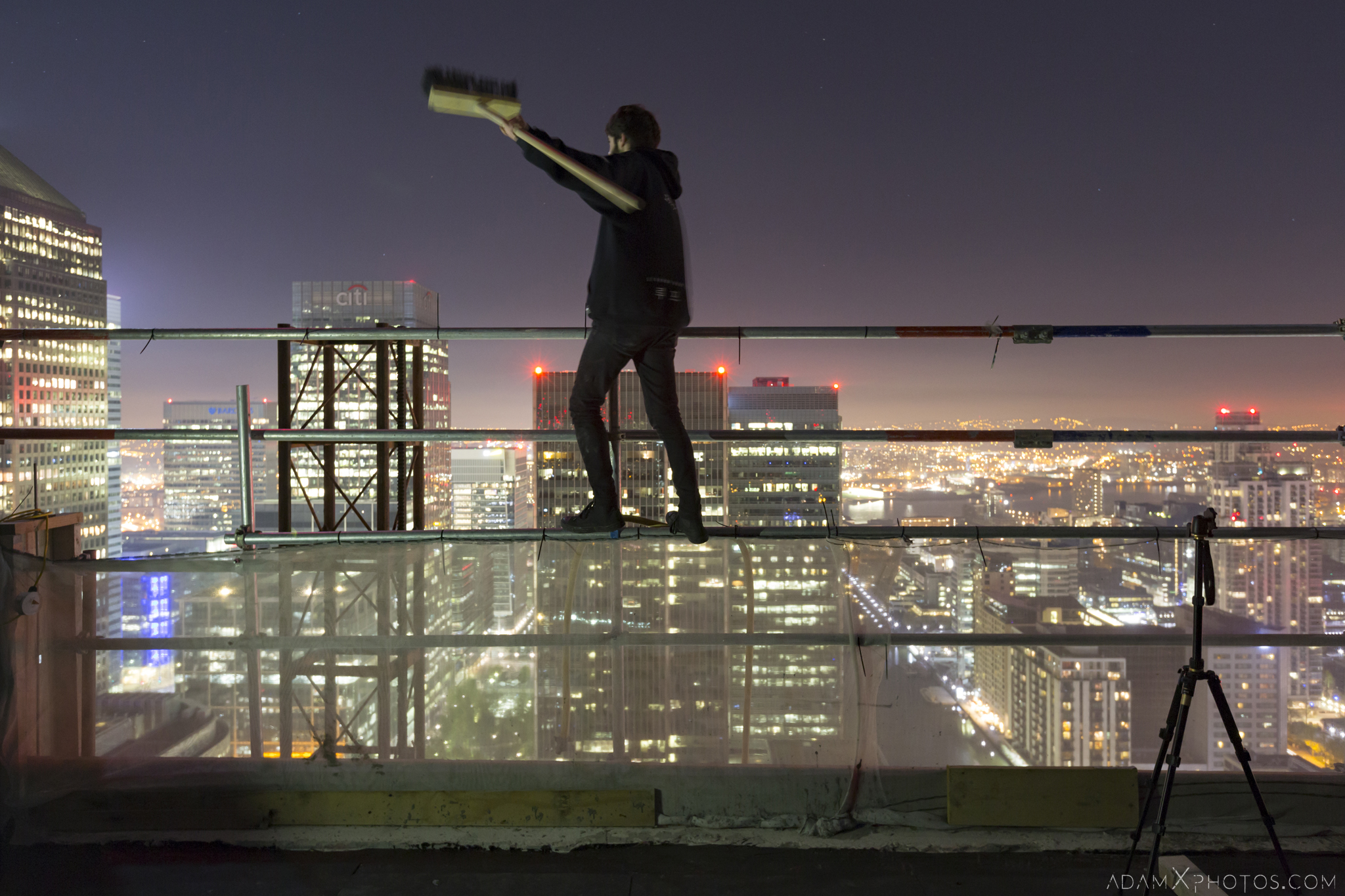 Alex Zach naughty Rooftop Rooftopping London Urbex High Adam X Urban Exploration Access 2017 Abandoned decay lost forgotten derelict location dangerous night nightttime