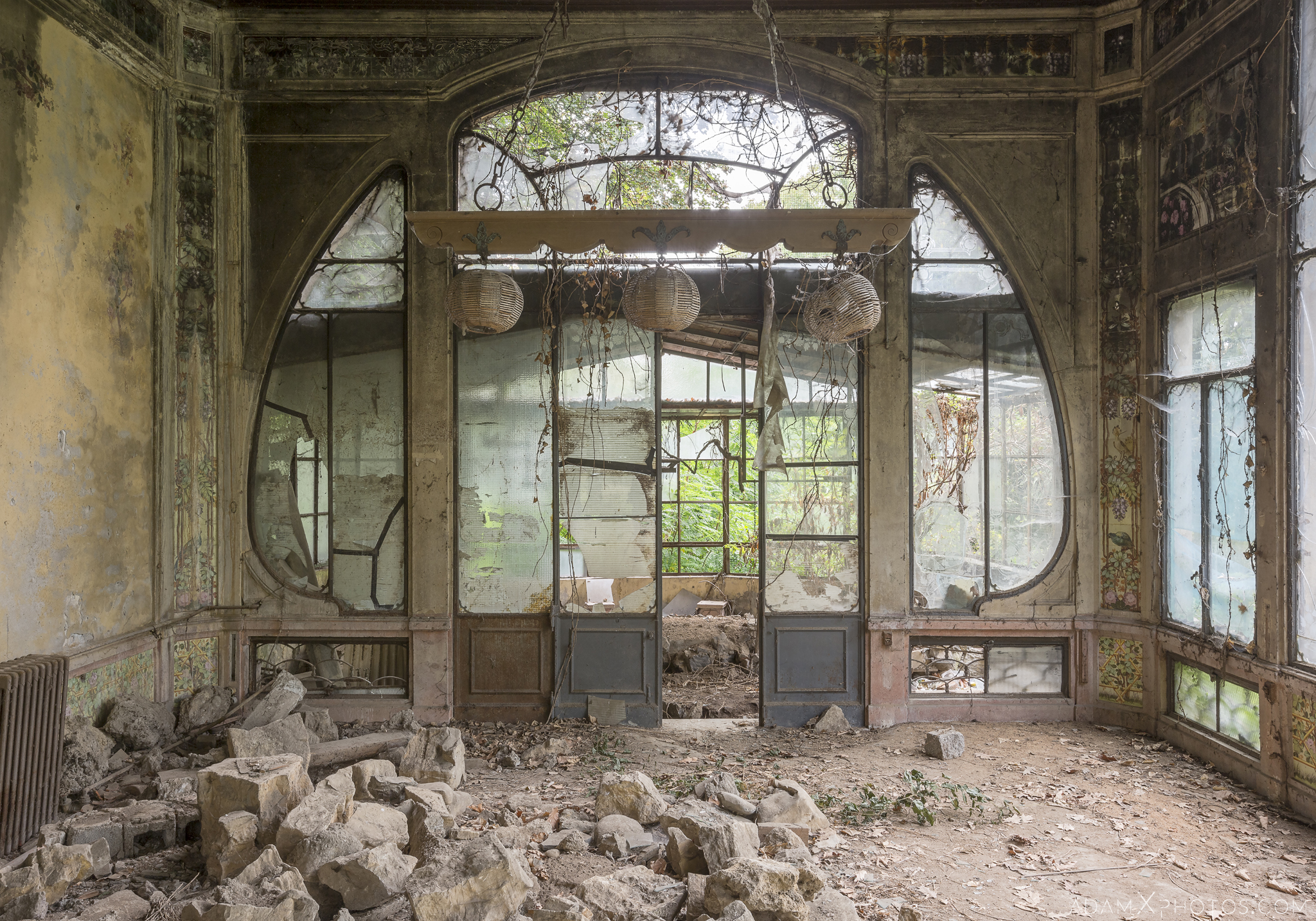 Green Mystery Greenhouse Orangery Garden summer House ornate windows rockery Villa Pesenti P Urbex Adam X Urban Exploration Italy Italia Access 2016 Abandoned decay lost forgotten derelict location creepy haunting eerie