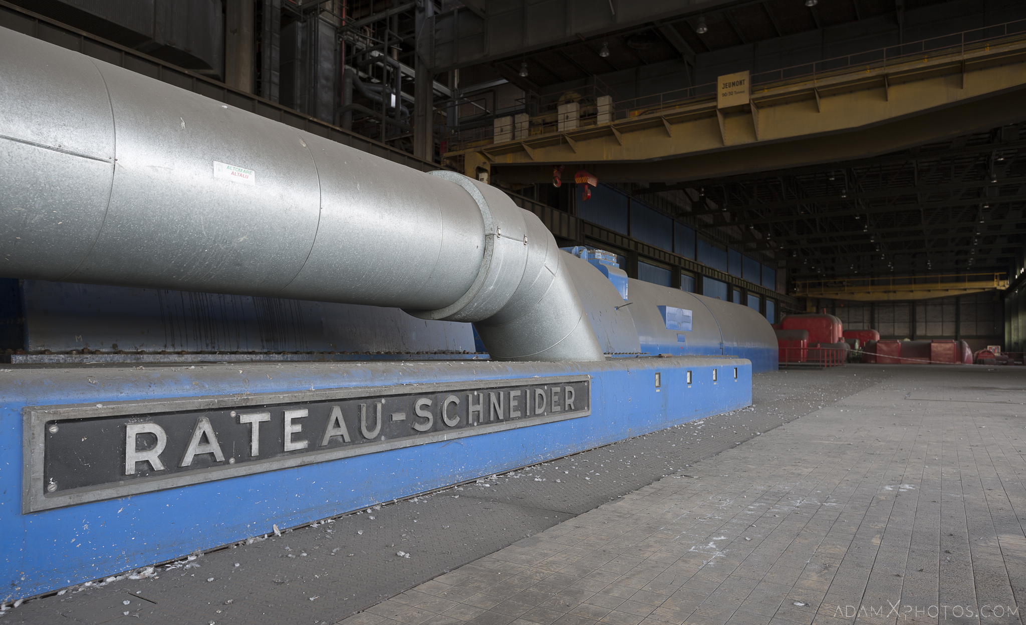 rateau schneider blue turbine hall Centrale de schneider powerplant power plant industrial industy Adam X Urban Exploration France Access 2017 Abandoned decay lost forgotten derelict location creepy haunting eerie