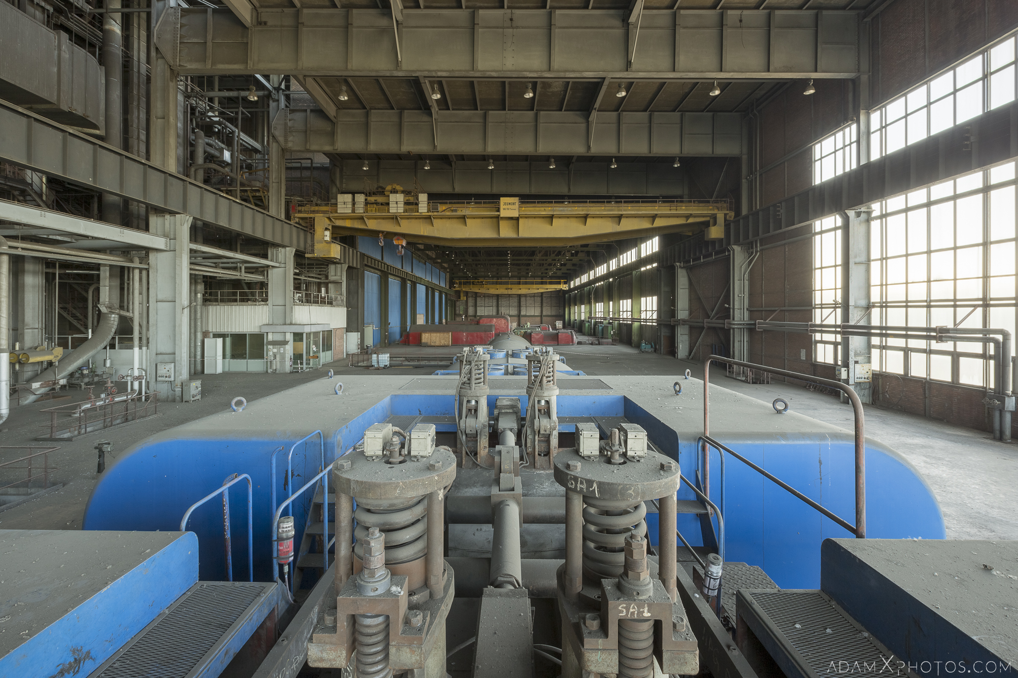 On top of rateau schneider blue turbine hall Centrale de schneider powerplant power plant industrial industy Adam X Urban Exploration France Access 2017 Abandoned decay lost forgotten derelict location creepy haunting eerie