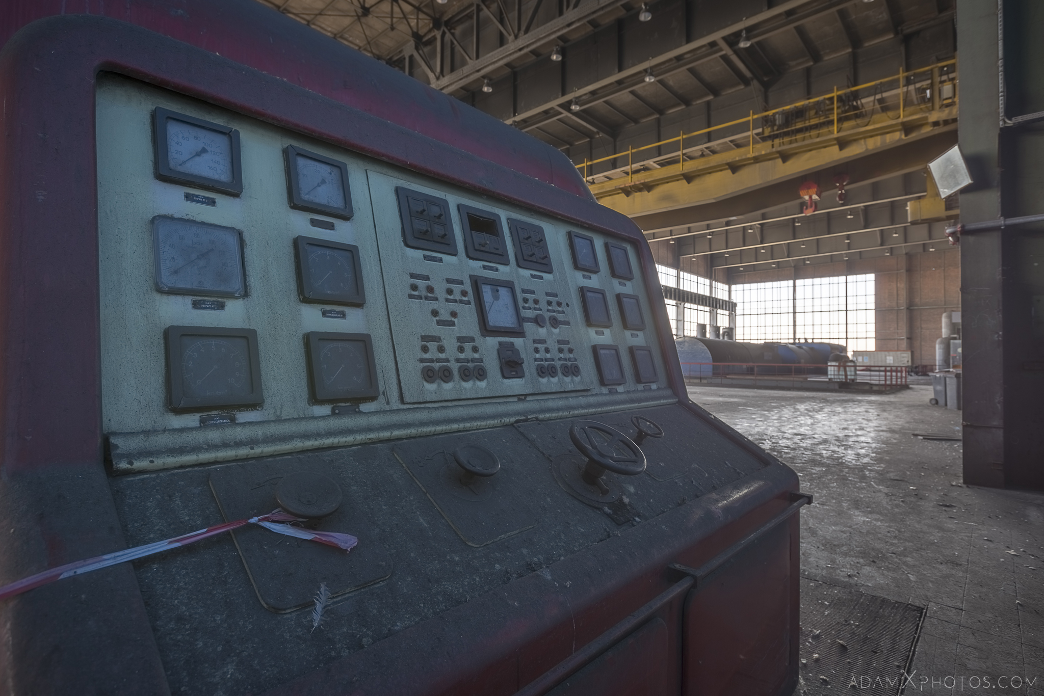 red control panel turbine hall Centrale de schneider powerplant power plant industrial industy Adam X Urban Exploration France Access 2017 Abandoned decay lost forgotten derelict location creepy haunting eerie