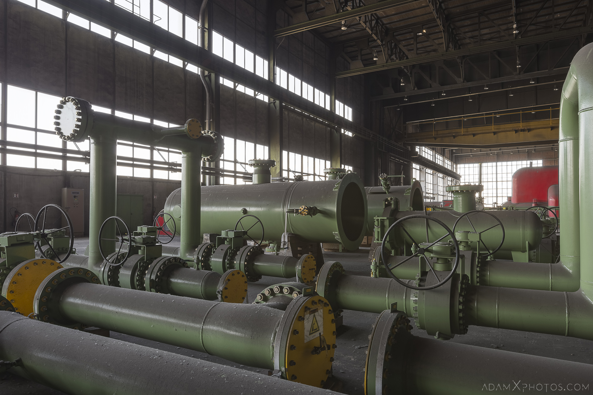 green pipes turbine hall Centrale de schneider powerplant power plant industrial industy Adam X Urban Exploration France Access 2017 Abandoned decay lost forgotten derelict location creepy haunting eerie