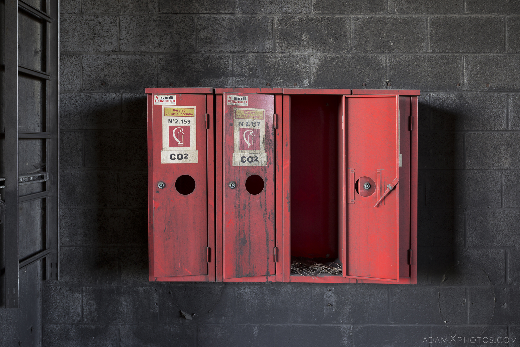 Retro vintage fire extinguisher extinguishers Coke Works Adam X Urban Exploration Belgium Access 2017 Abandoned decay lost forgotten derelict location creepy haunting eerie