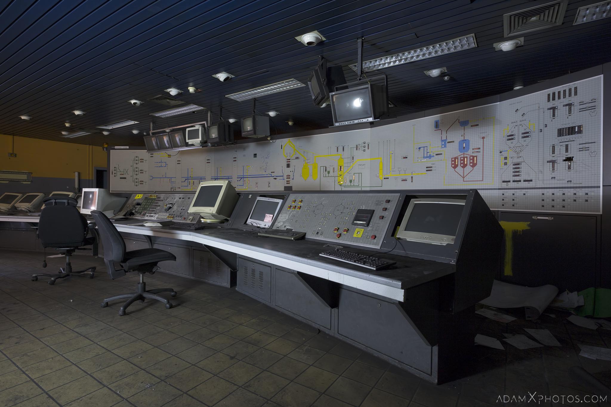 Control Room desk panels retro Haut Fourneau B HFB Blast Furnace Steelworks Adam X Urban Exploration Belgium Access 2017 Abandoned decay lost forgotten derelict location creepy haunting eerie
