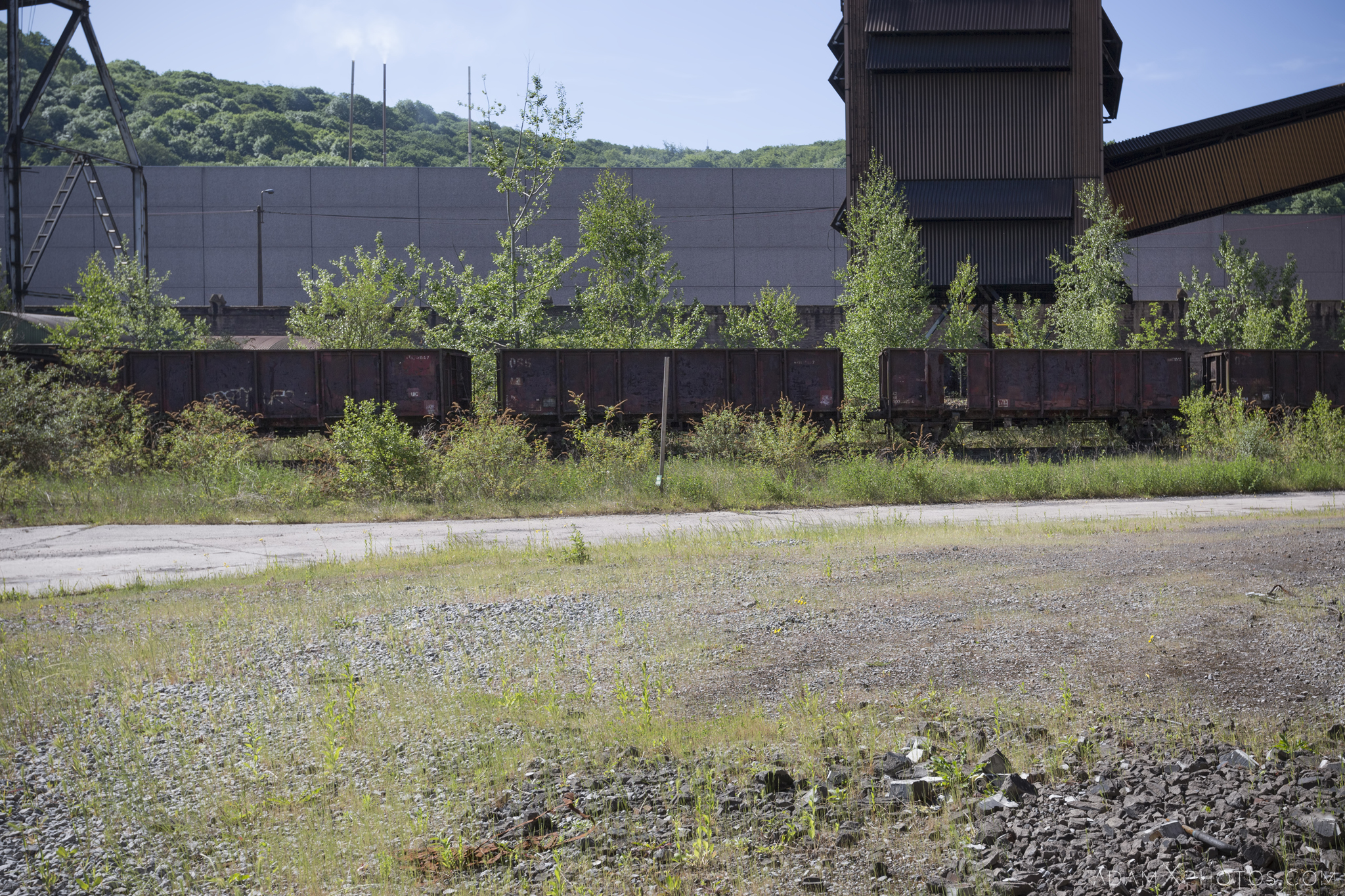 old railway carriages Haut Fourneau B HFB Blast Furnace Steelworks Adam X Urban Exploration Belgium Access 2017 Abandoned decay lost forgotten derelict location creepy haunting eerie