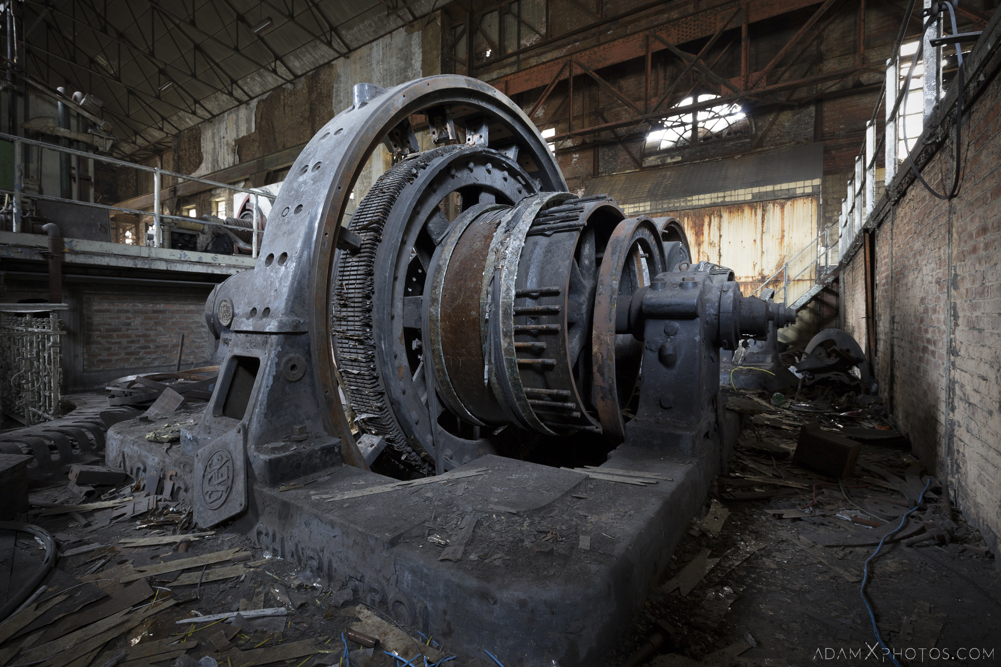 Rotary converter detail HF4 power plant wet dogs AMEC Industrial Industry Adam X Urban Exploration Belgium Access 2017 Abandoned decay lost forgotten derelict location creepy haunting eerie
