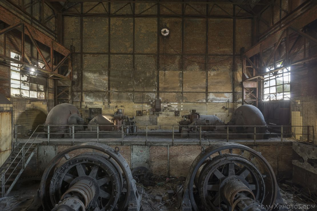 Turbines rotary converters ACEC HF4 power plant wet dogs AMEC Industrial Industry Adam X Urban Exploration Belgium Access 2017 Abandoned decay lost forgotten derelict location creepy haunting eerie