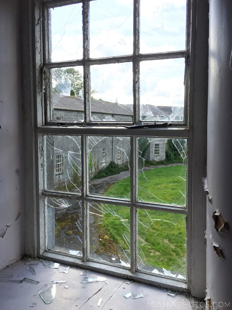 Broken window Connacht District Lunatic Asylum St Brigid's Hospital Adam X Urbex Urban Exploration Ireland Ballinasloe Access 2017 Abandoned decay lost forgotten derelict location creepy haunting eerie