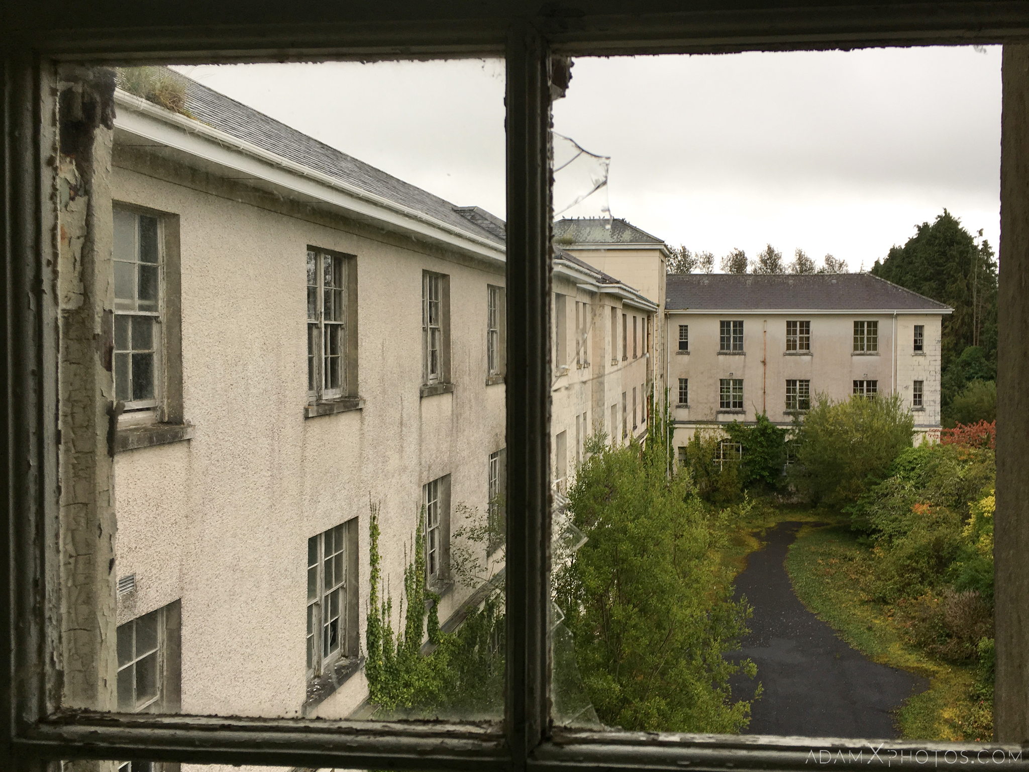 view through window De Salle College School Colaiste Iosagain Ballyvourney County Cork Adam X Urbex Urban Exploration Ireland Access 2017 Abandoned decay lost forgotten derelict location creepy haunting eerie