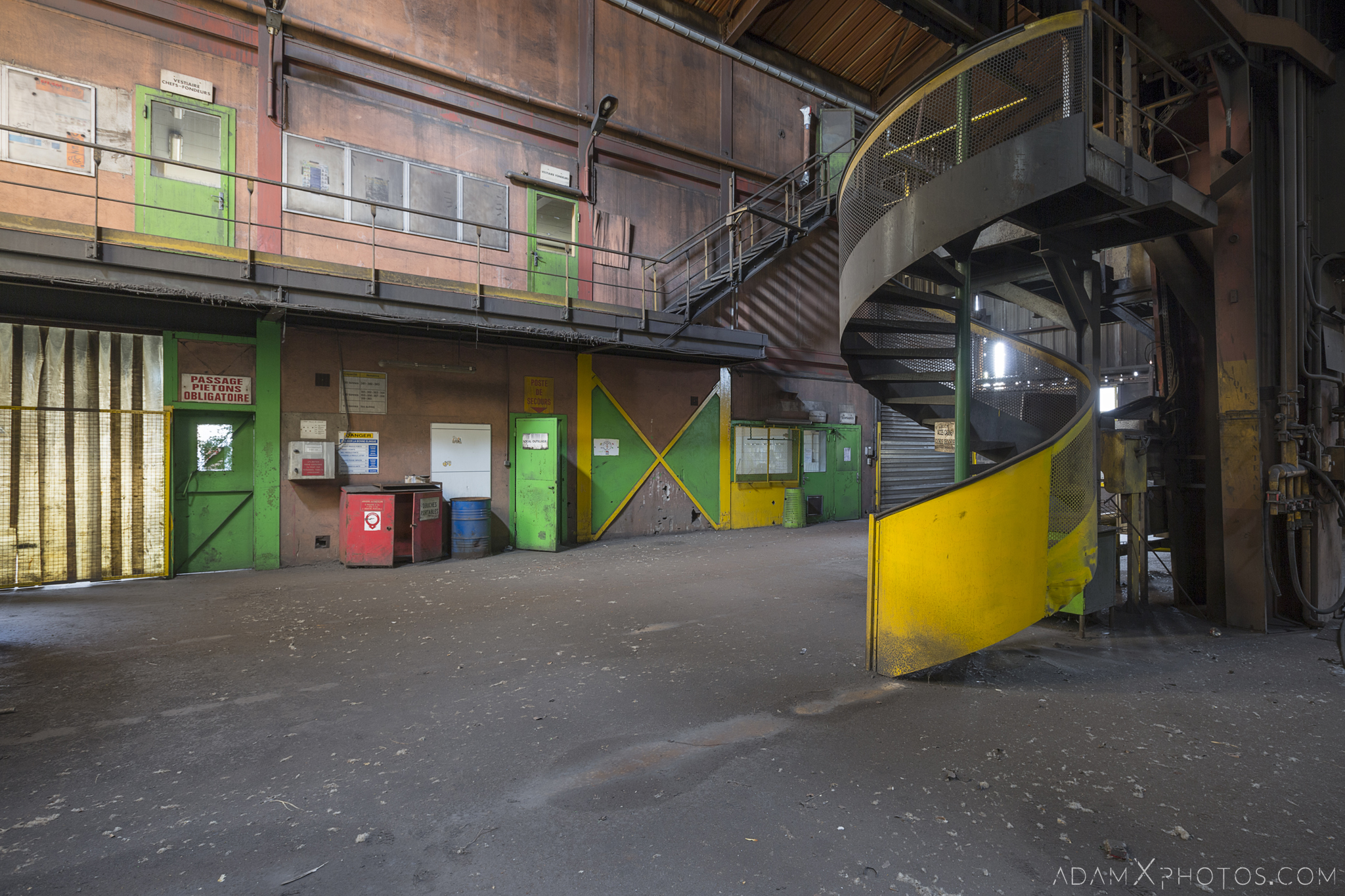 spiral stairs staircase yellow green HFX Florange Hayange ArcelorMittal blast furnaces steel works plant Industrial Industry Adam X Urbex Urban Exploration France Access 2017 Abandoned decay lost forgotten derelict location creepy haunting eerie