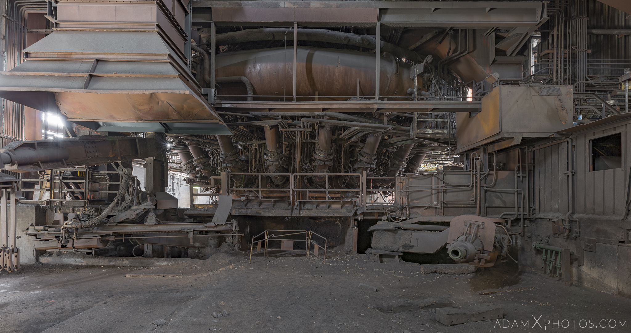 bottom of blast furnace P3 HFX Florange Hayange ArcelorMittal blast furnaces steel works plant Industrial Industry Adam X Urbex Urban Exploration France Access 2017 Abandoned decay lost forgotten derelict location creepy haunting eerie