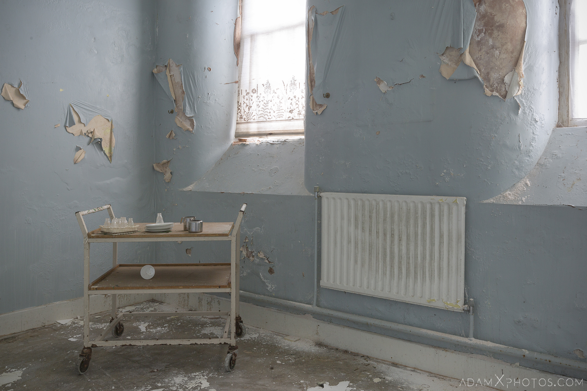 tea cart peeling paint Connacht District Lunatic Asylum St Brigid's Hospital Adam X Urbex Urban Exploration Ireland Ballinasloe Access 2017 Abandoned decay lost forgotten derelict location creepy haunting eerie